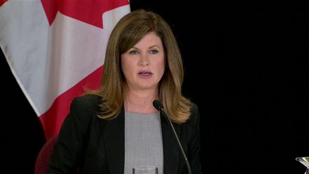 La ministre fédérale de la Santé, Rona Ambrose