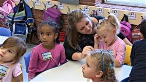 Des enfants de 4 ans à la maternelle de l'École La Source à Gatineau. (20-09-14)