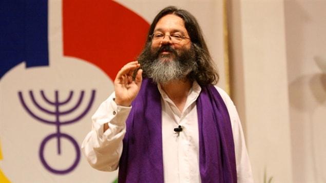 Olivier Manitara, pasteur de l'Église Essénienne Chrétienne, un groupe sectaire comparable à l'Ordre du Temple solaire. Photo tirée de son site officiel.