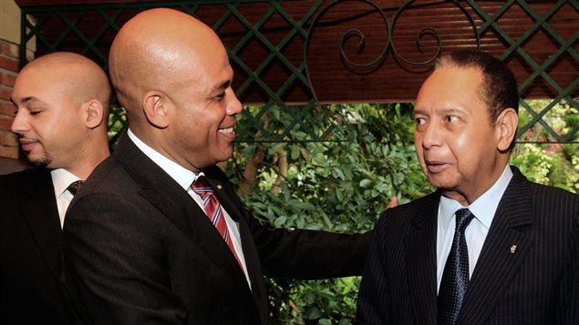 Le président haïtien Michel Martelly et Jean-Claude Duvalier en 2011.