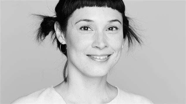 L'auteure et illustratice jeunesse Annie Groovie, qui a créé le personnage de Léon.