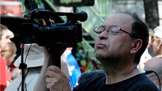 El cineasta Patricio Henriquez en acción.
