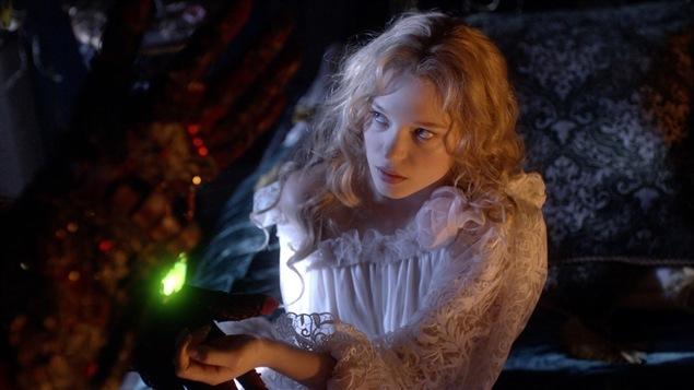 Léa Seydoux dans une scène du film <i>La belle et la bête</i>, de Christophe Gans
