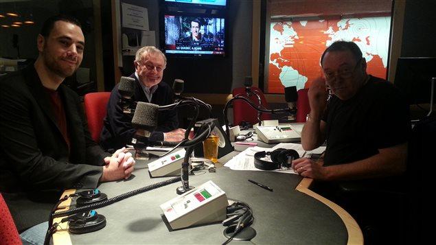 Le chercheur en géopolitique Pierre-Alain Clément et le major général des Forces armées canadiennes à la retraite Terry Liston discutent de la guerre contre le groupe État islamique avec Michel Désautels.
