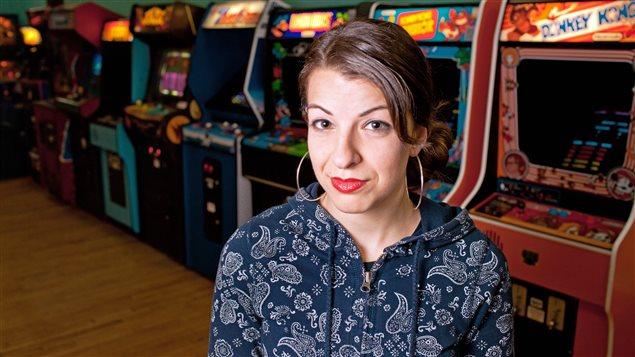 La blogueuse canado-américaine Anita Sarkeesian reçoit des menaces à cause de ses prises de position.