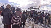 Avalanche au Népal: l'assureur des survivants refuse de payer leur évacuation