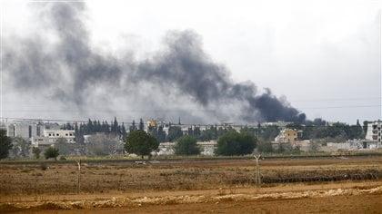Les États-Unis larguent des armes aux Kurdes de Kobané