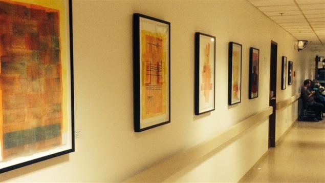 Une vingtaine d'oeuvres du peintre Denis Juneau sont exposées à l'Institut de cardiologie de Montréal.