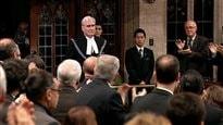 Les députés à Ottawa accueillent en héros le sergent d'armes Kevin Vickers