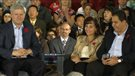 Harper offre un ensemble de baisses d'impôt aux familles