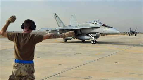 Un CF-18 canadien au Koweit