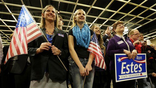 Des partisans du Parti républicain se sont réunis pour suivre les élections de mi-mandat au Kansas.