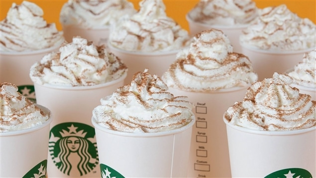 Le café au lait à la citrouille de la chaîne Starbucks