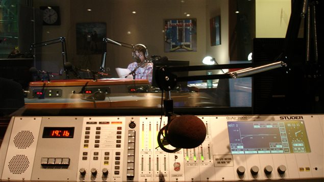 Point de vue du technicien Nicholas Fish, studio radio 1 de Radio-Canada à Edmonton.