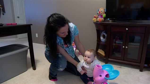 Jennifer Huculak-Kimmel et sa petite fille.