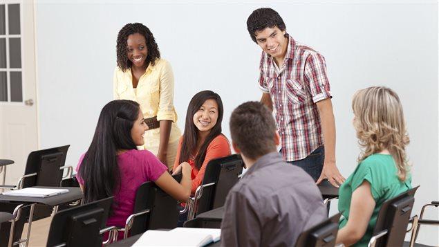 Des étudiants heureux