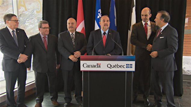 Les trois paliers de gouvernement sont prêts à investir dans le pont de Québec.