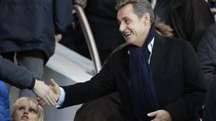 Sarkozy fixe quelque chose