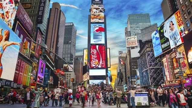 Les panneaux d'affichage géants de Time Square à New York