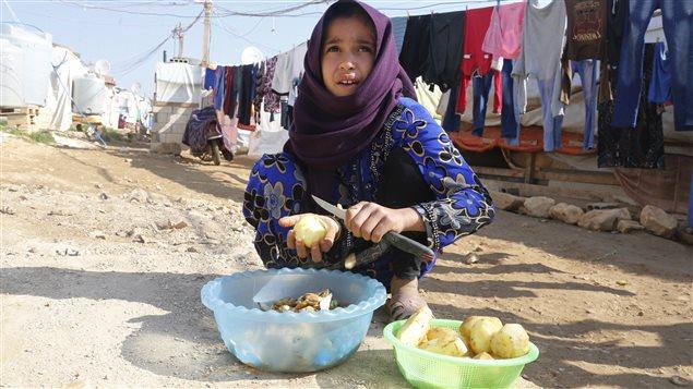 Une jeune réfugiée dans un camps au Liban