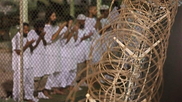 Des détenus de la prison de Guantanamo Bay à Cuba (archives)
