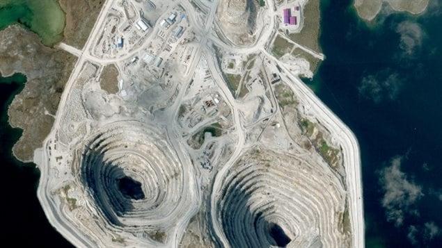 Photo prise en août 2014 de la mine Diavik dans les Territoires du Nord-Ouest