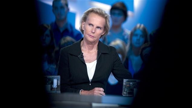 La journaliste et auteure Christine Ockrent sur le plateau du <i>Grand journal</i>, à Canal Plus