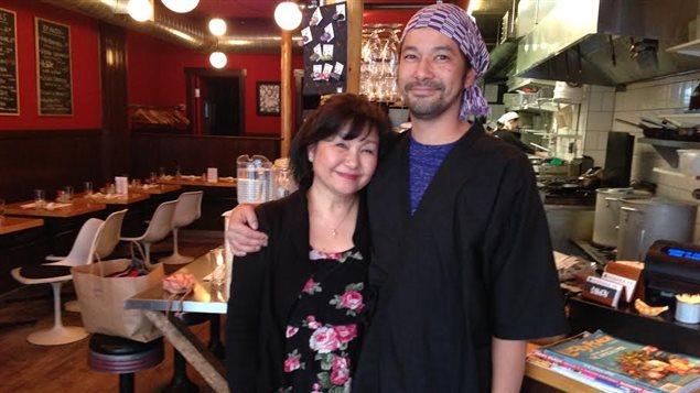 Madame Akiko Hosaka et son fils Louis Hosaka