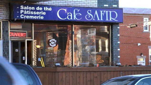 Café Safir, dans le Petit Maghreb