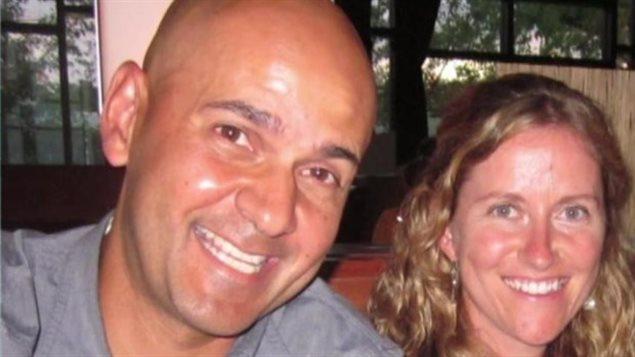 La femme de Neil Bantleman, Tracy, qui est elle-même enseignante à l'École internationale de Jakarta, a assuré que son mari était « absolument innocent » et a réclamé sa libération.