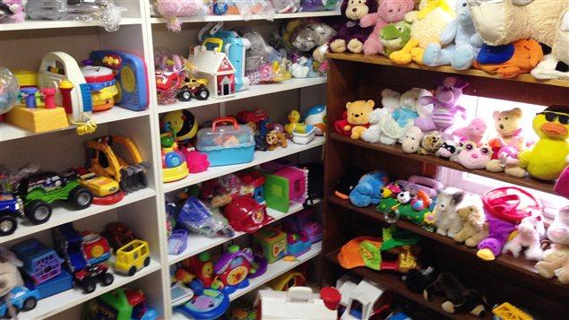 Santé Canada attire l'attention des Canadiens sur les dangers pour la santé des enfants des jouets contrefaits achetés en ligne qui ne répondent pas aux normes canadiennes de sécurité.