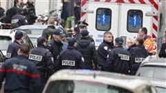 Selon les dernières informations recueillies, les tireurs du Charlie Hebdo avaient une liste de victimes à faire : ils auraient demandé le nom des victimes avant de les abattre. Franz Olivier Giesbert, journaliste correspondant Radio-Canada en France, nous résume les faits.