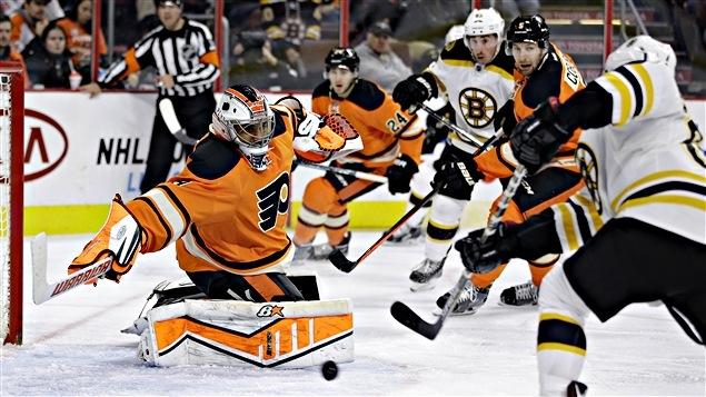 Une troisième victoire de apartment flow les Bruins