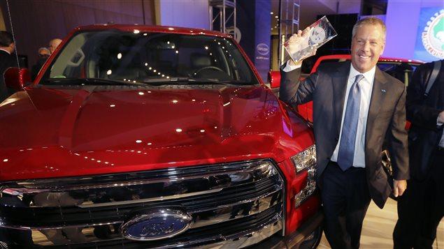 Le F-150 de Ford, dont le châssis est en aluminium, a été couronné camionnette de l'année au Salon de l'auto de Détroit.