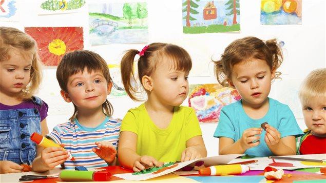 Des enfants � la garderie