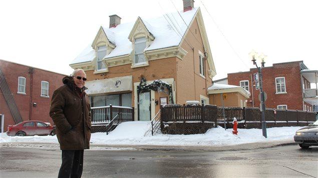 Gilles Charron veut faire un musée du piano de cette maison de Sainte-Thérèse