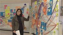 L'architecte du nouveau complexe, Caroline Gagnon, explique le fonctionnement du futur hôpital.