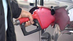 Importante hausse du prix de l'essence dans la région de Montréal