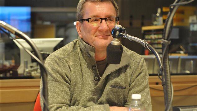 Le maire de Québec, Régis Labeaume, au micro de Marie-France Bazzo