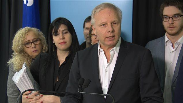 Jean-François Lisée se retire de la course à la direction du parti.