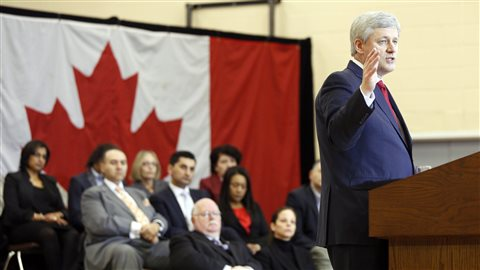 Le Premier ministre Stephen Harper à Richmond Hill en Ontario, lors de l'annonce de nouvelles mesures pour lutter contre le terrorisme et l'extrémisme.