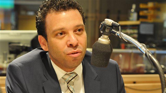 Haroun Bouazzi, de l'Association des musulmans et des arabes pour la laïcité au Québec, au micro de C'est pas trop tôt