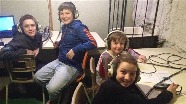 Les animateurs en herbe le la radio étudiante de Berry
