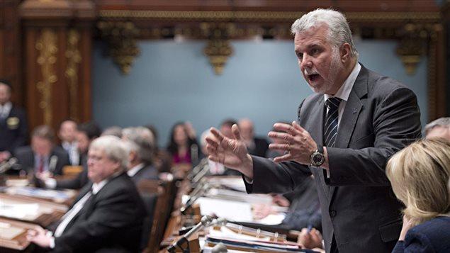 Le premier ministre Philippe Couillard à l'Assemblée nationale peu de temps avant la rentrée parlementaire officielle