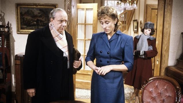 René Caron en compagnie de Marie Tifo dans une scène du téléroman «Le parc des braves» en 1986.