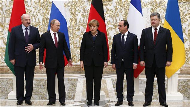 Le président de la Biélorussie, Alexander Lukashenko accueillait les dirigeants de la Russie, Vladimir Poutine, de l'Allemagne, Angela Merkel, de la France, François Hollande et de l'Ukraine, Petro Poroshenko, pour des pourparlers de paix à Minsk le 11 février 2015.