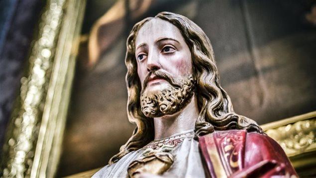 Une statue de Jésus-Christ