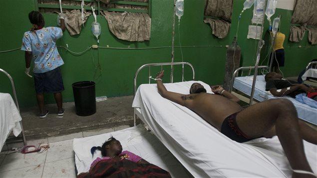 Heridos en el hospital de Puerto Príncipe, Haití.