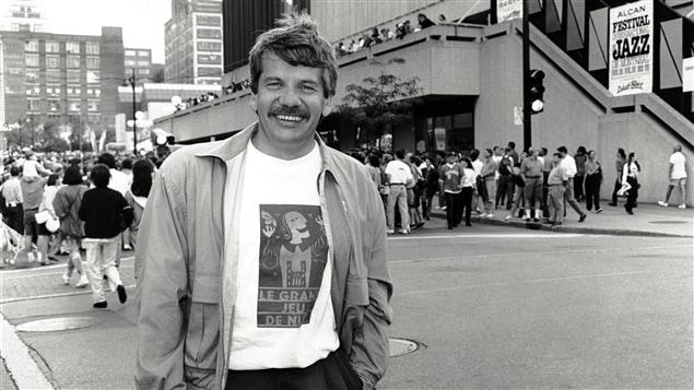Le maire de Montréal, Jean Doré, assistant au Festival international de jazz, en 1992.