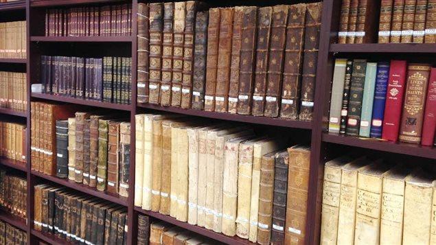 Les livres anciens regorgent d'histoires de vampires et de loups-garous.